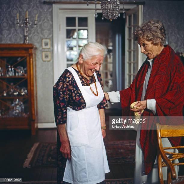 Das Erbe der Guldenburgs Fernsehserie Deutschland 1986 1988 Folge Das rote Kleid Darsteller Elisabeth Kohls Brigitte Horney