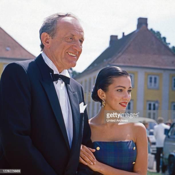 Das Erbe der Guldenburgs Fernsehserie Deutschland 1986 1988 Folge Der falsche Moment Darsteller Alexander Kerst Allegra Curtis
