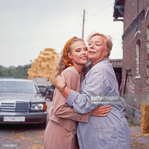 Das Erbe der Guldenburgs Fernsehserie Deutschland 1986 1988 Folge Der rote Rubin Darsteller Katharina Böhm Ingeborg Christiansen