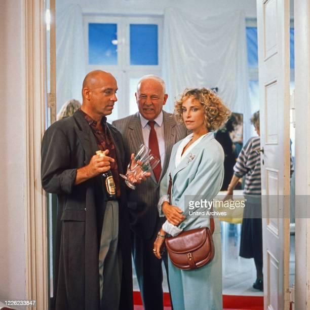 """Das Erbe der Guldenburgs, Fernsehserie, Deutschland 1986 - 1988, Folge: """"Die große Versuchung"""", Darsteller: Wilfried Baasner, Walter Buschhoff, Sydne..."""
