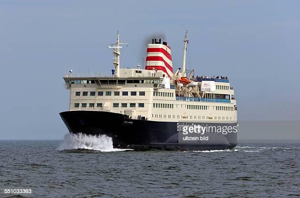 """Das Faehrschiff Povl Anker"""" faehrt in den Faehrhafen SassnitzMukran Die PassagierFrachtFaehre verkehrt zwischen der Insel Ruegen und Roenne auf der..."""