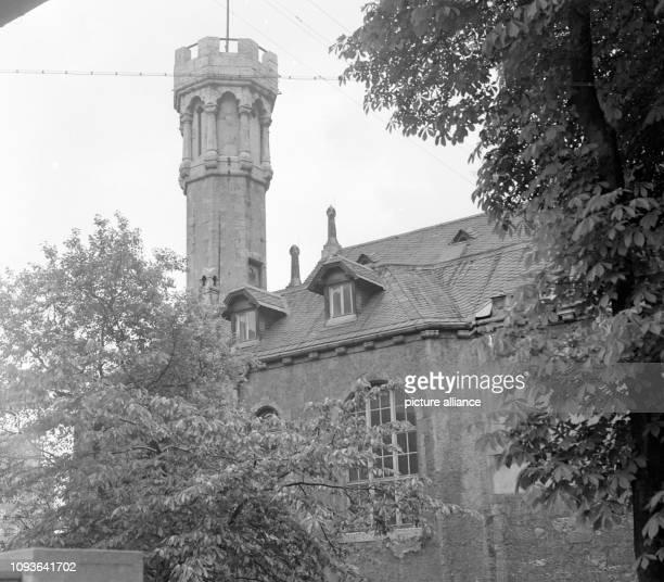 Das Institut für Dialektischen und Historischen Materialismus in Jena, undatiertes Foto evtl. Aus den 1960er Jahren. 1946 wurde dieses erstmals mit...
