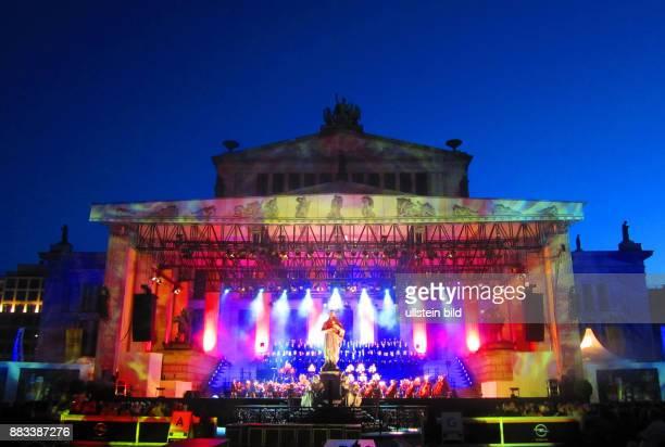 Das Konzerthaus aufgenommen beim Classic Open Air auf dem Gendarmenmarkt