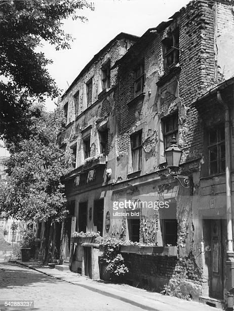 Das Lokal Zur letzten Instanz das ander alten Berliner Stadtmauer angebautwar vor 1966