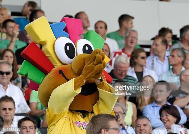 Das Maskottchen der Sponsors Trolli auf der Tribuene waehrend dem Fussball Bundesliga Spiel SpVgg Greuther Fuerth gegen den FC Bayern Muenchen am 1...