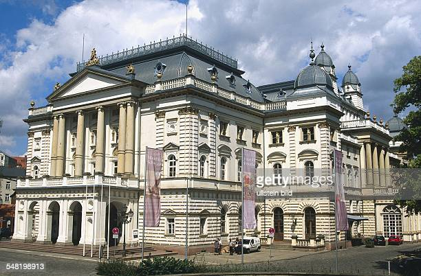 Das Mecklenburgische Staatstheater Schwerin Alter Garten