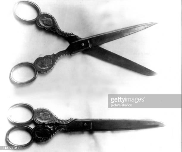 Das Mordwerkzeug eine Kaiserschere benutzte der Massenmörder Peter Kürten in den Mordfällen Ohliger Scheer Hahn und Albermann Am 22 April 1931 wurde...