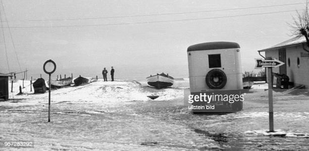 Das Ostseebad Ahlbeck auf der Insel Usedom im Winter 1957 Foto Reinhard Kaufhold Mindere technische Qualität bedingt durch historische Vorlage
