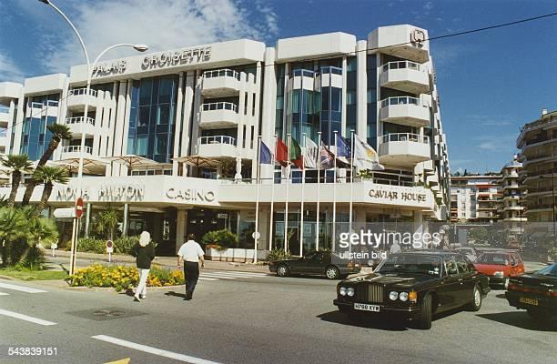 Das Palais Croisette am Boulevard de la Croisette mit Noga Hilton Hotel, Casino, Bars, Restaurants und Boutiquen. Hier stand früher das alte...