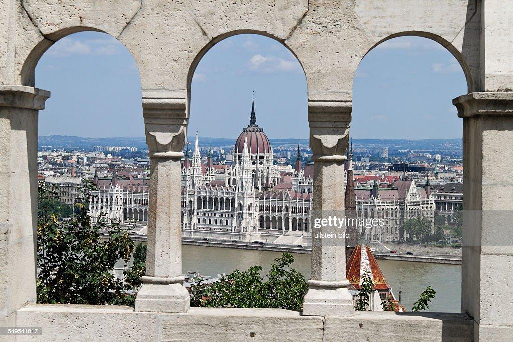 Das Parlament von Budapest in Ungarn : News Photo
