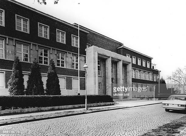 Das Präsidialmamt der Freien Universität in der Kaiserswerther Strasse 16 Erbaut 1927 Architekt Heinrich Straumer 1997