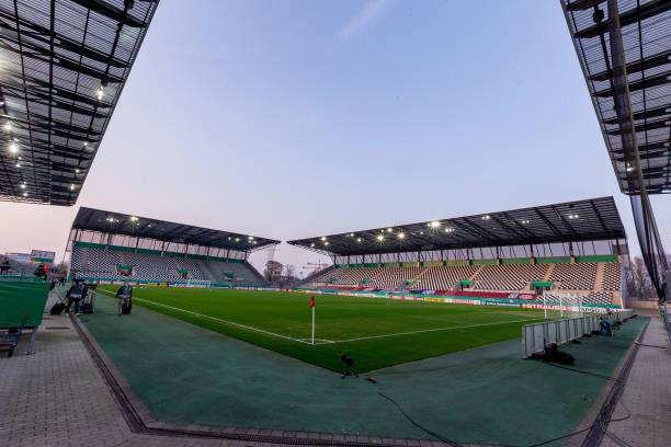 DEU: Rot-Weiss Essen v Holstein Kiel - DFB Cup: Quarter Final