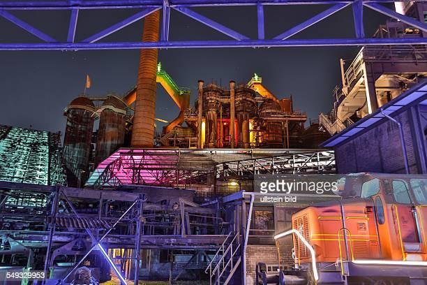 Das UNESCO Weltkulturerbe Alte Völklinger Hütte wird durch Lichtkünstler im Rahmen des Electro Magnetic Festival beleuchtet