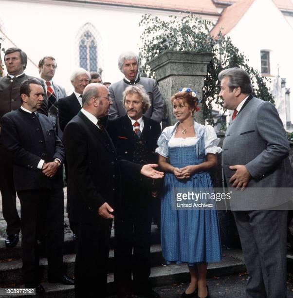 Das Volk sieht nichts / D 1986 / Helmut Dietl / Am Starnberger See soll für 300 Millionen ein Jet-set-Dorado errichtet werden. / Der Drahtzieher...