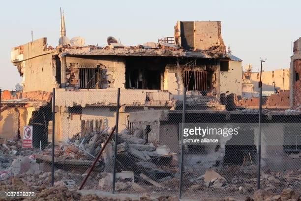 Das zerstörte und abgeriegelte Viertel Abdul Kadir Pascha in Nusaybin in der Türkei aufgenommen am Ganze Stadtviertel in den türkischen...