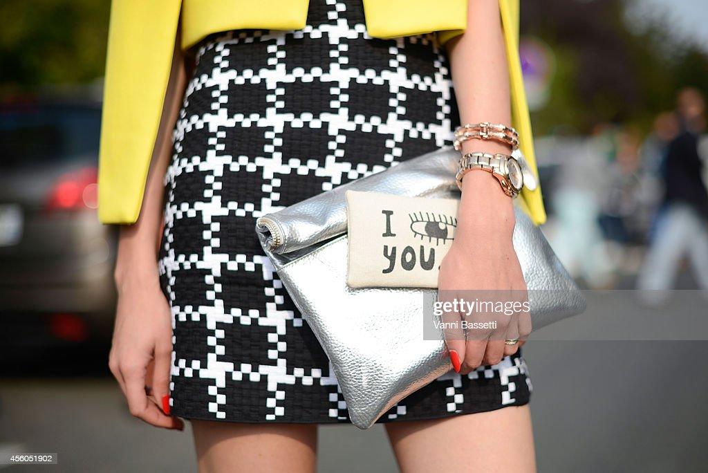Street Style - Paris Fashion Week, Womenswear S/S 2015 : September 24th : Photo d'actualité