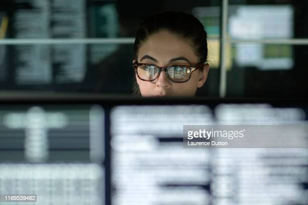 data woman monitors - global stock pictures, royalty-free photos & images