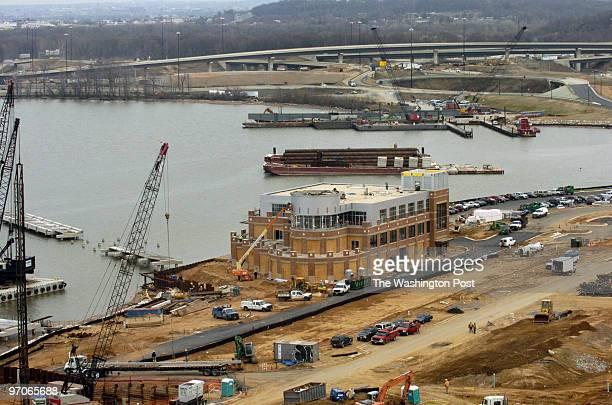 Mar 26, 2007 Slug: FI/HARBOR assignment no: 189325 Photographer: Gerald Martineau National Harbor Construction, East end of Wilson Bridge....