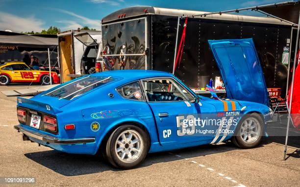 bre datsun 240z vintage racer - datsun stock pictures, royalty-free photos & images