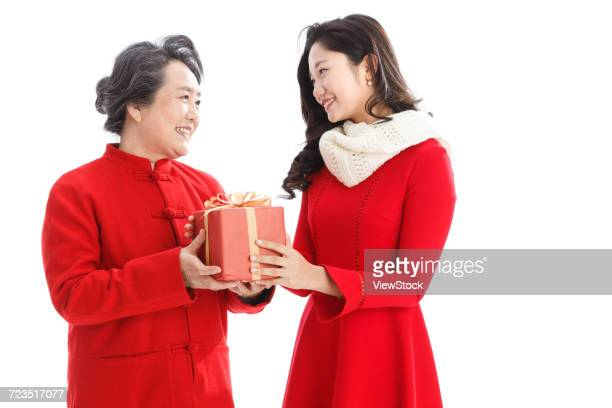 Daughter to give her mother a new year gift