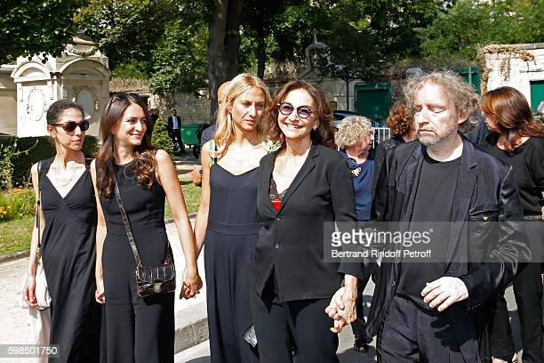 Daughters of Nathalie ; Tatiana Burstein, Salome Burstein, Lola Burstein, daughter of Sonia, Nathalie Rykiel and her brother, son of Sonia,...