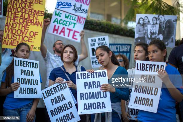 Daughters of Romulo AvelicaGonzalez Donna 13 Jocelyn Fatima niece Diana Avelica and daughter Yuleni attend a rally for his release outside US...