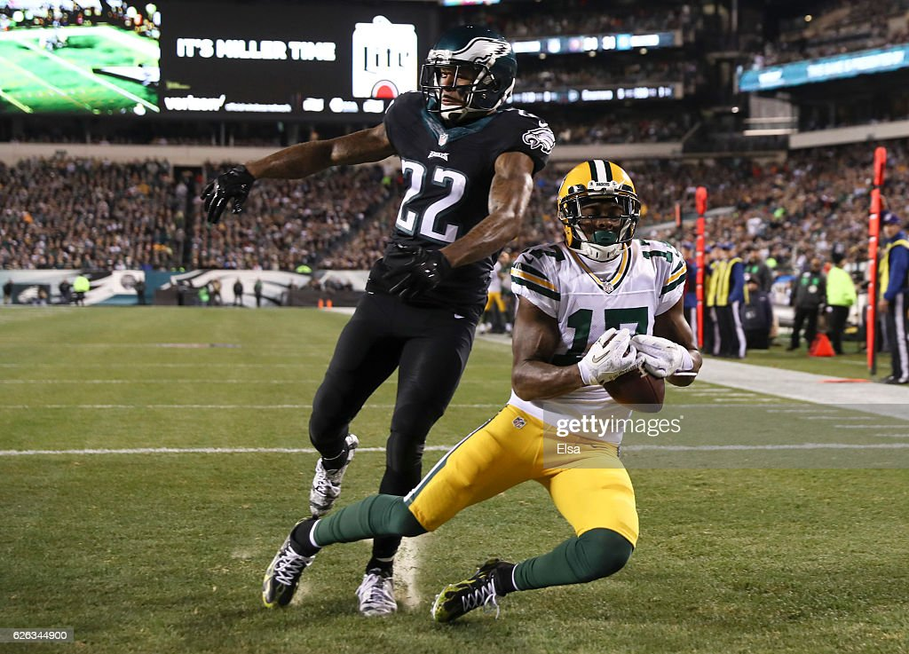 Davante Adams #17 of the Green Bay Packers catches a touchdown pass against Nolan Carroll #22 of the Philadelphia Eagles in the second quarter at Lincoln Financial Field on November 28, 2016 in Philadelphia, Pennsylvania.