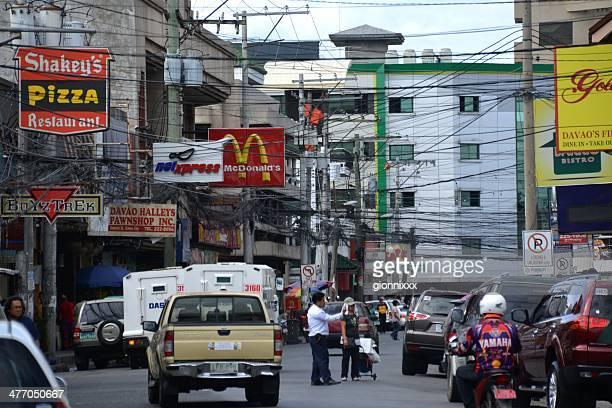 ciudad de davao street, mindanao filipinas - davao city fotografías e imágenes de stock
