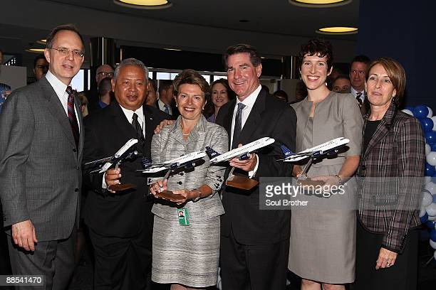 Dave Barger CEO of Jet Blue Airlines Joseph Aredas Commissioner of LAWA Gina Marie Lindsey Executive Director of LAWA former LA Dodger Steve Garvey...