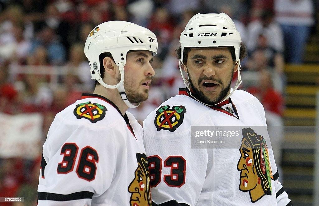 Chicago Blackhawks v Detroit Red Wings - Game Two : News Photo