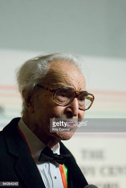 Dave Brubeck speaks with reporters on the red carpet before the 32nd Kennedy Center Honors at Kennedy Center Hall of States on December 6 2009 in...