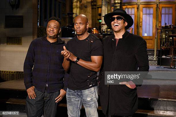 LIVE Dave Chappelle Episode 1710 Pictured Jarobi White and QTip of musical guest A Tribe Called Quest pose with host Dave Chappelle on November 10...