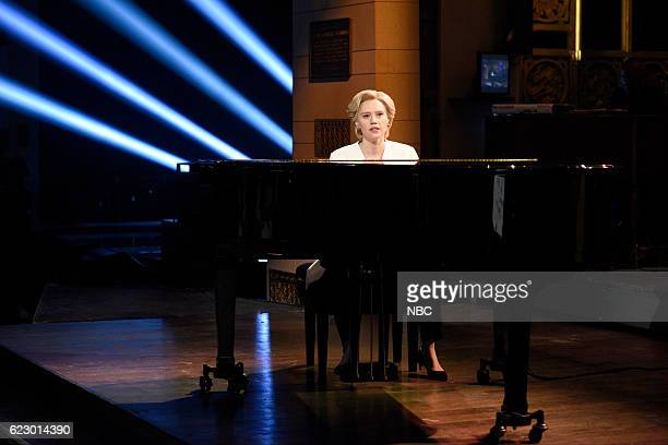 LIVE 'Dave Chappelle' Episode 1710 Pictured Kate McKinnon as Hillary Clinton sings Leonard Cohen's 'Hallelujah' during the 'Election Week Cold Open'...