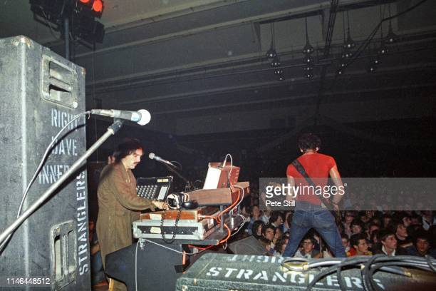 Dave Greenfield and Hugh Cornwell of The Stranglers perform on stage at Bracknell Sports Centre on September 17th 1977 in Berkshire England