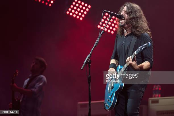 Dave Grohl and Chris Shiflett of Foo Fighters perform on day 3 of the Glastonbury Festival 2017 at Worthy Farm Pilton on June 24 2017 in Glastonbury...