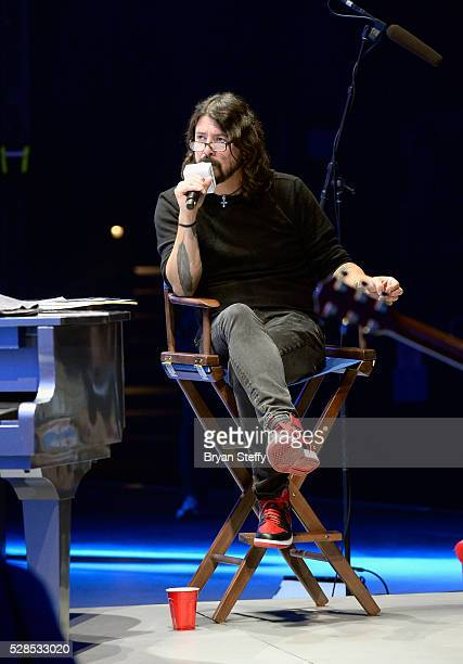 Dave Grohl hosts SiriusXM's Town Hall with Lionel Richie at The AXIS at Planet Hollywood Resort Casino on May 5 2016 in Las Vegas Nevada