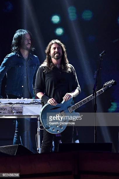 AWARDS 2018 *** Dave Grohl of Foo Fighters performs at The BRIT Awards 2018 held at The O2 Arena on February 21 2018 in London England