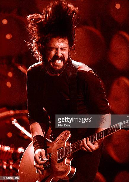 Dave Grohl of Foo Fighters performs on stage in London 2007