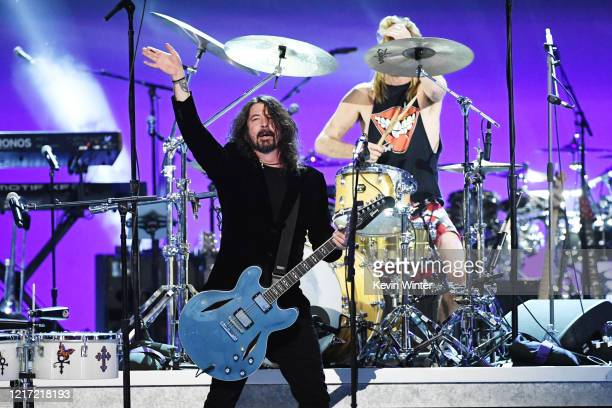 """Dave Grohl of Foo Fighters performs onstage during the 62nd Annual GRAMMY Awards """"Let's Go Crazy"""" The GRAMMY Salute To Prince on January 28, 2020 in..."""