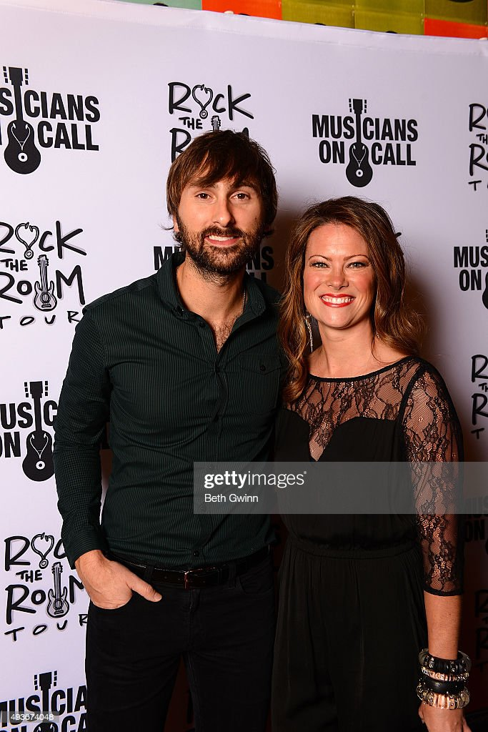 Dave Haywood and his wife Kelli Cashiola on the red carpet before the Musicians on Call event at City Winery Nashville on October 21, 2015 in Nashville, Tennessee.