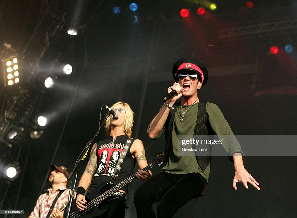 Dave Kushner, Duff McKagan and Scott Weiland of Velvet Revolver