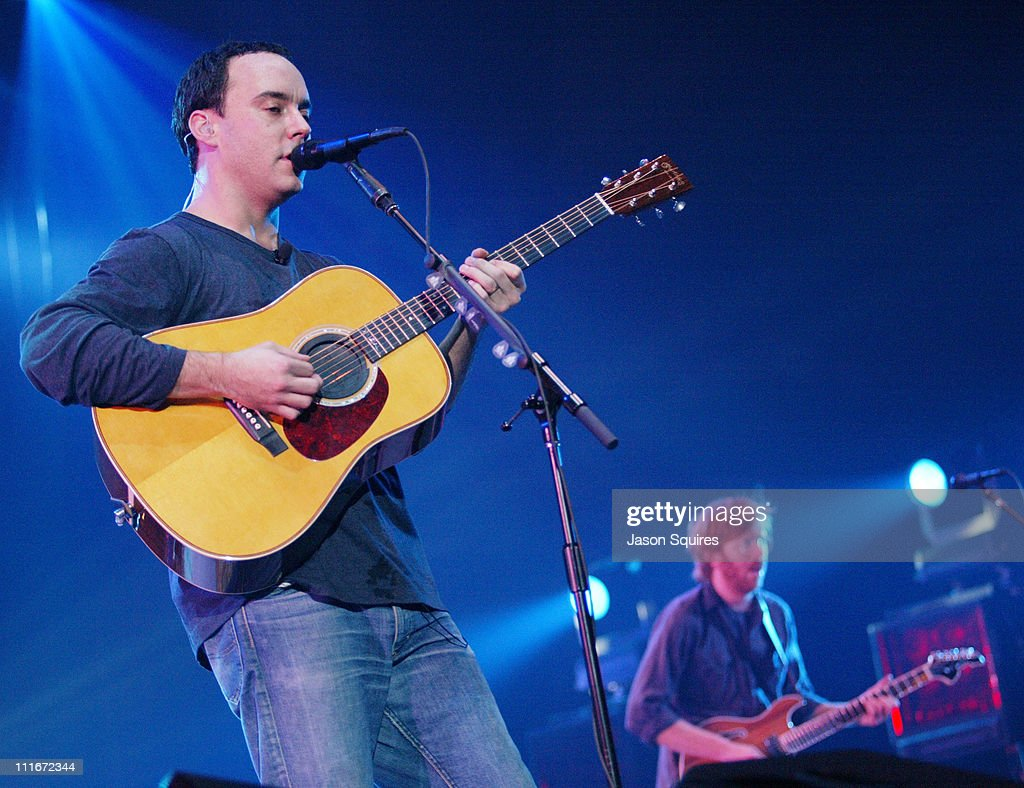 Dave Matthews and Friends Perform in Chicago