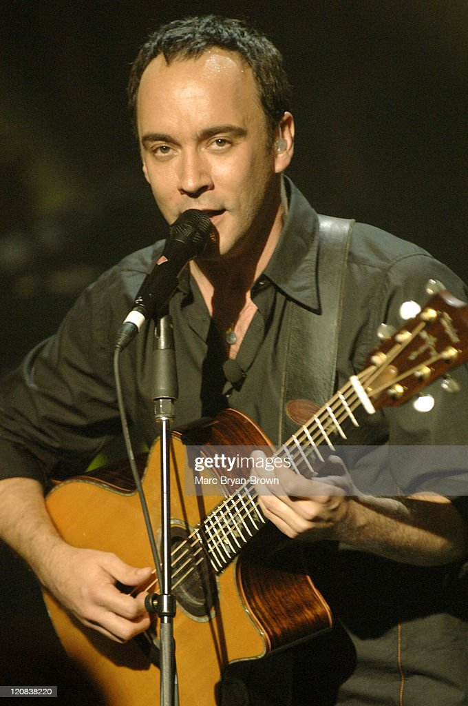 "Dave Matthews Band on ""VH1 Storytellers"" - May 17, 2005"