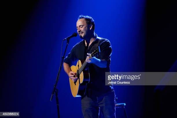 Dave Matthews performs at the 2014 Children's Health Fund annual gala on June 9 2014 in New York City