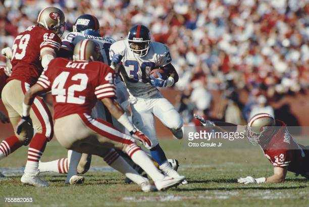 Dave Meggett running back for the New York Giants attacks the 49er defense during the National Football Conference Championship game against the San...