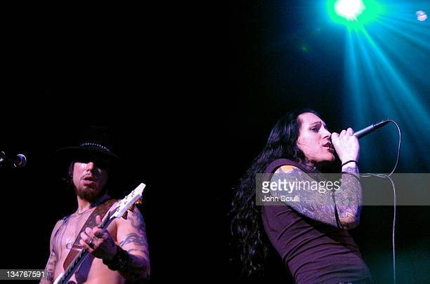 Dave Navarro and Davey Havok at the DKNY//Jeans Presents Vanity Fair In Concert to benefit the Step Up Women's Network