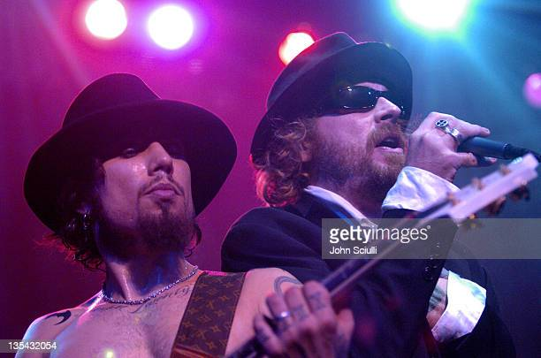 Dave Navarro and Leif Garrett at the DKNY//Jeans Presents Vanity Fair In Concert to benefit the Step Up Women's Network