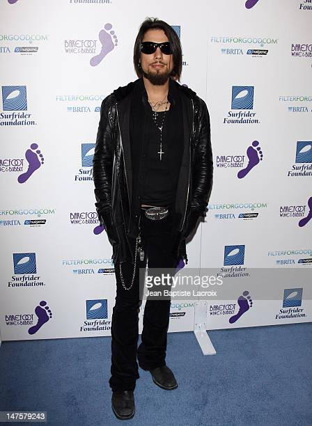 Dave Navarro arrives at The Surfrider Foundation's 25th Anniversary Gala at the California Science Center's Wallis Annenberg Building on October 9...