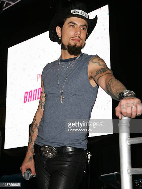 Dave Navarro during Sony Computer Entertainment America and the Bruce Willis Foundation Present Playstation BANDtogether Inside at Smashbox Studios...