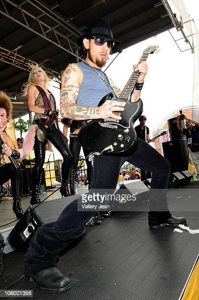 Dave Navarro performs at the Miami Dolphins v Pittsburgh Steelers tailgate at Sun Life Stadium on October 24, 2010 in Miami, Florida.